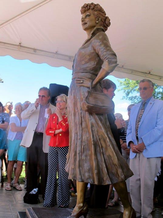 Lucy-statue.JPG
