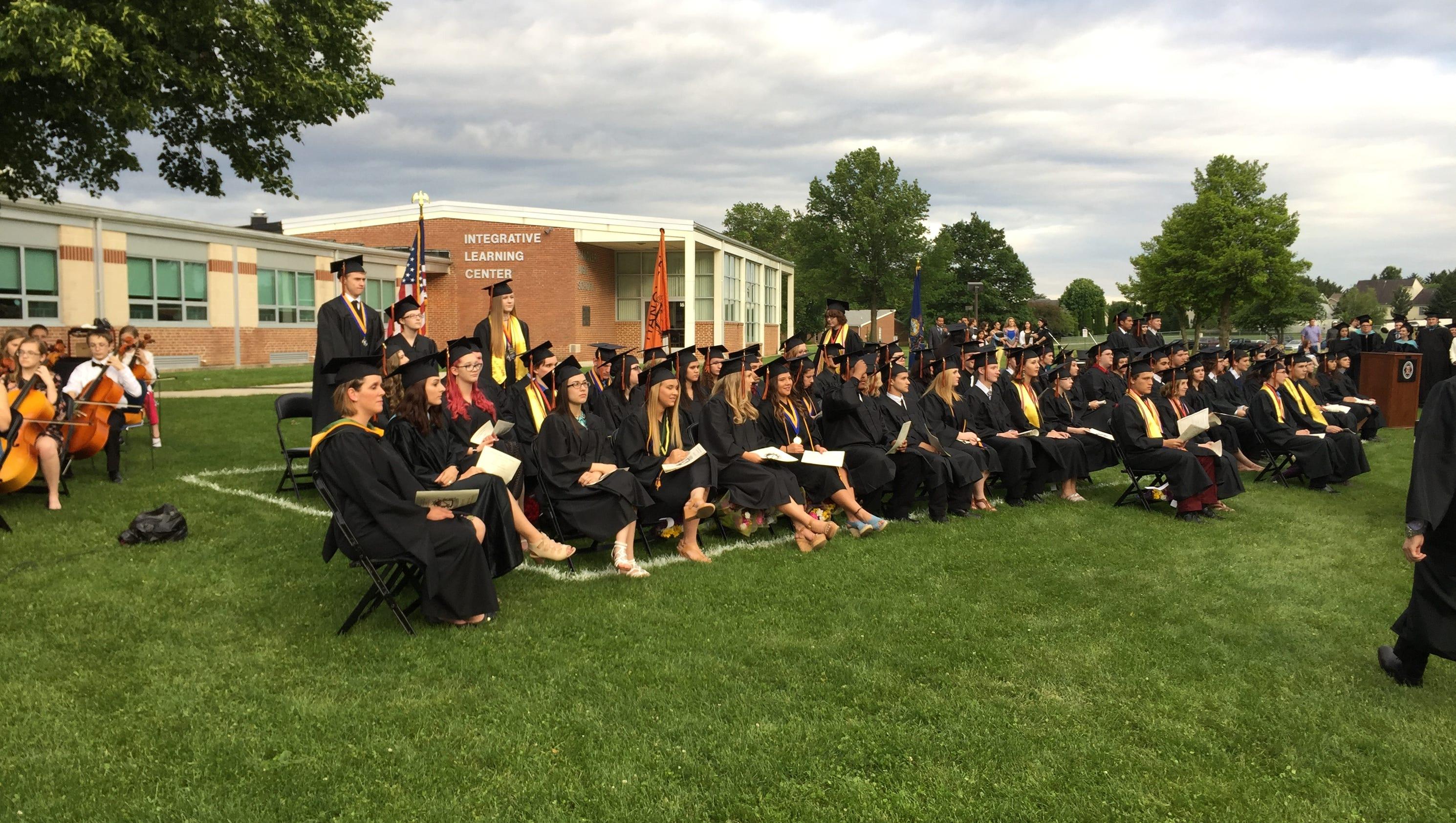 Hanover S 102 Graduates Join Community Tradition