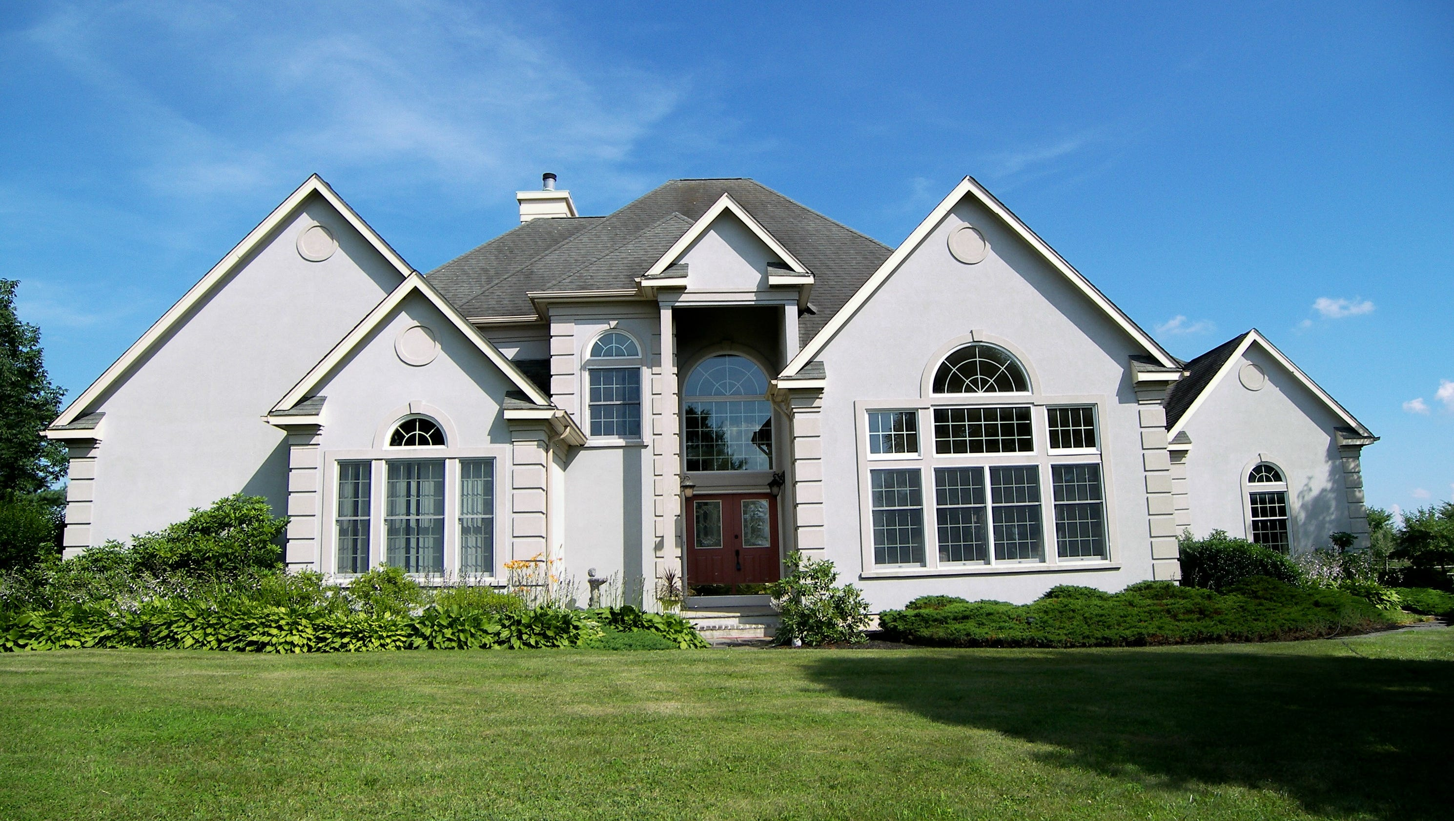 Updated colonial in alexandria for Updated colonial home exterior