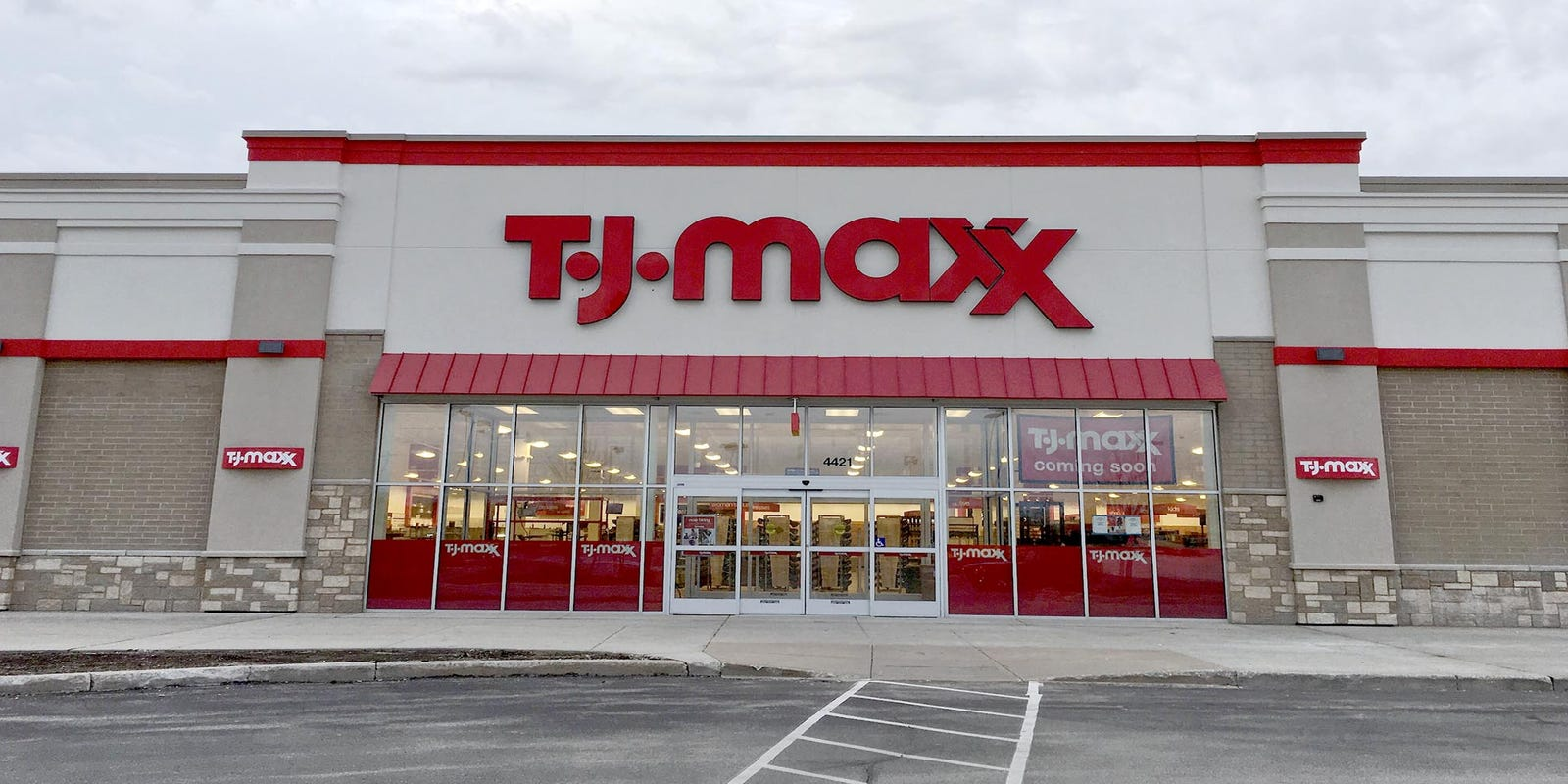 Manitowoc Tj Ma Opens May 20 Color Craft Addition Finishes