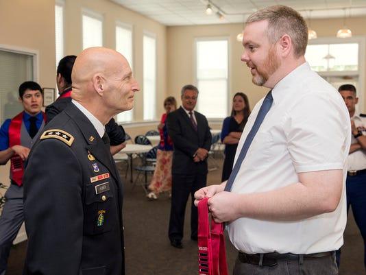 Huber and student veteran.jpg