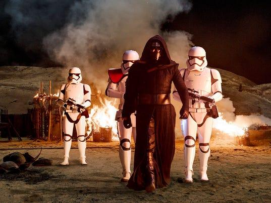 635824393469857287-Star-Wars-The-Force-Awakens33