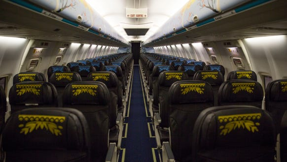 There 39 s now a 39 frozen 39 themed airplane featuring anna and for Interieur avion westjet