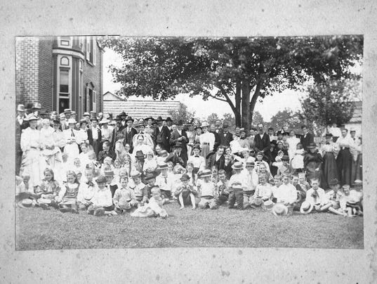 636057453592784074-Siler-Scan-fm-Library---Family-Meeting-1893-or-1896013.jpg