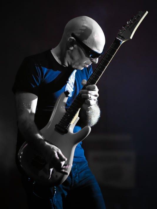 ffccbef0034d Joe Satriani