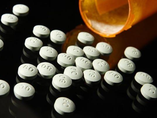 635931444760625900-pills.JPG