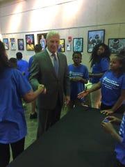 Wilmington Mayor Mike Purzycki greets Junior Entrepreneurs