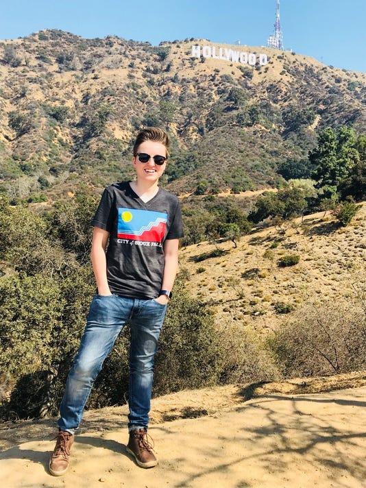 636421896287926051-Hollywood.jpg