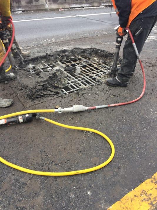636518103914877563-repair.jpg