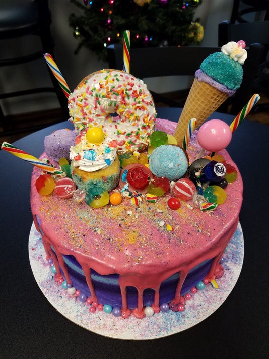 636528388333320700-sweet-retreat-cake-boutique.jpg