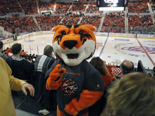 RIT hockey mascot