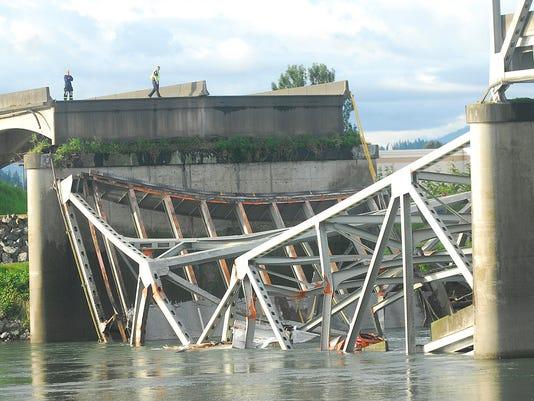 bridge_collapse
