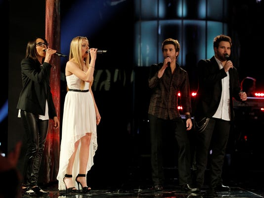 finalists perform together
