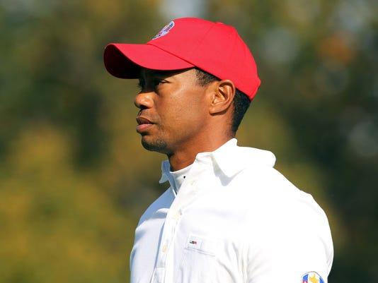 2012-9-28 tiger woods to sit out saturday morning