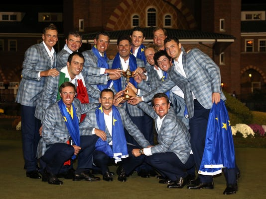 2012-10-1 Europeans with the cup