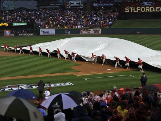 2012-10-17-rain-delay-game-3