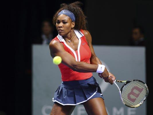 2012-10-24 serena beats Li