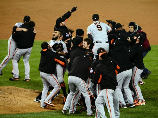 giants-celebrate-game-4-2012