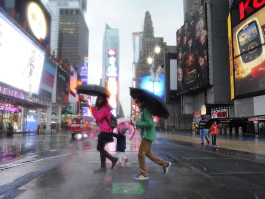 2012-10-30-new-york-times-square-marathon