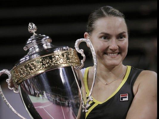 2012-11-4 petrova wins