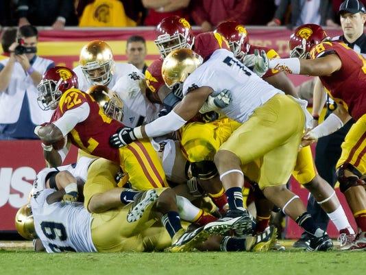 2012-11-24-NotreDame_defense