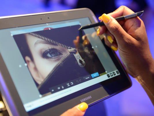 computer screen tablet eye