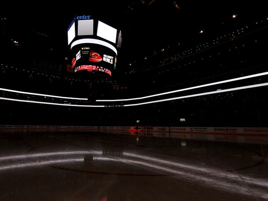 2012-12-10-dark-nhl-arena