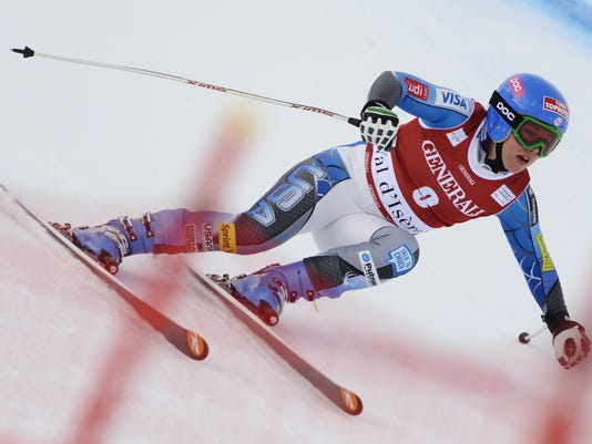 2012-12-14-leanne-smith-downhill