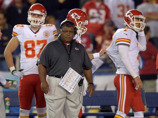 12-25-12-chiefs-romeo-crennel
