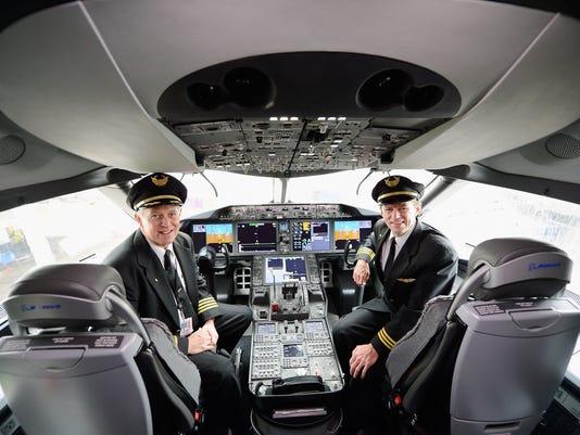 Dreamliner cockpit