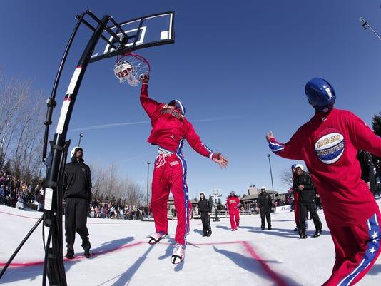 2013-01-07-globetrotters-basketball-ice