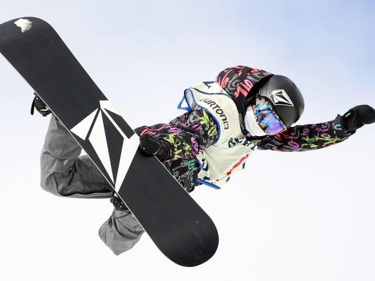 2013-1-24-elena-hight-snowboard