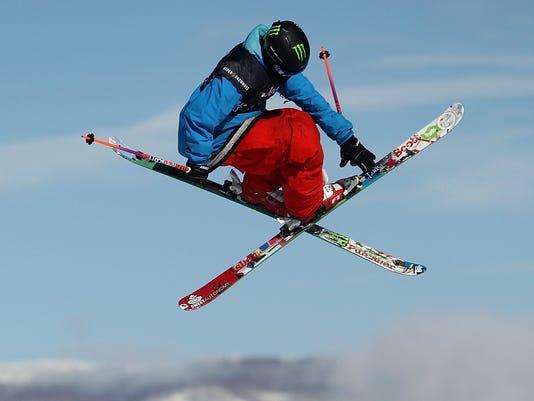 2013-1-25-tom-wallisch-ski-slopestyle