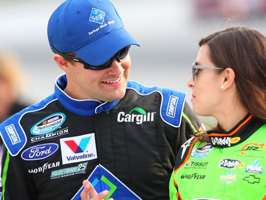 patrick divorced singles Charlotte—amid rumors that danica patrick and ricky stenhouse jr are dating, stenhouse wouldn't go into details thursday about his relationship with the soon-to-be-divorced patrick.