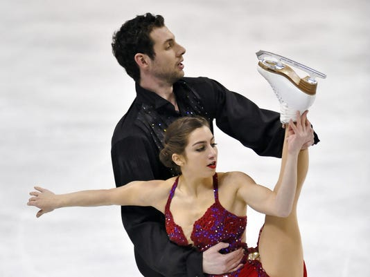 2013-1-26-marissa-castelli-simon-shnapir-pairs-skating