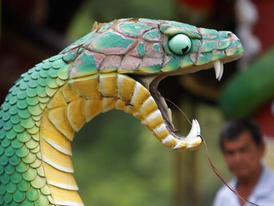 082712 snake temple
