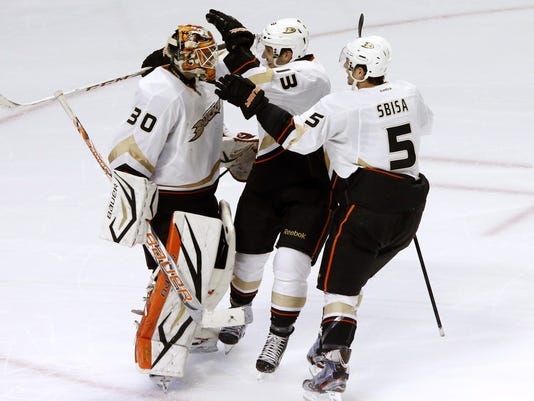 2013-02-12-ducks-blackhawks