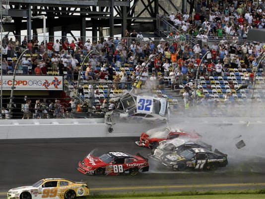 daytona crash 02-24-13