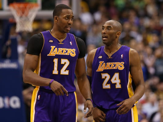 2-24-kobe-bryant-dwight-howard-lakers-mavericks