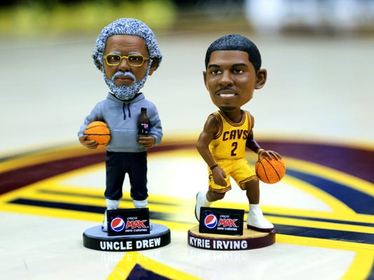 Kyrie Irving S Cool Bobblehead Night In Cleveland