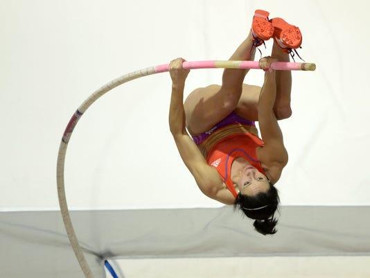 030213-jenn-suhr-world-record