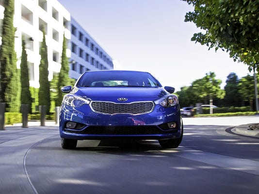 2014 kia forte straight on view
