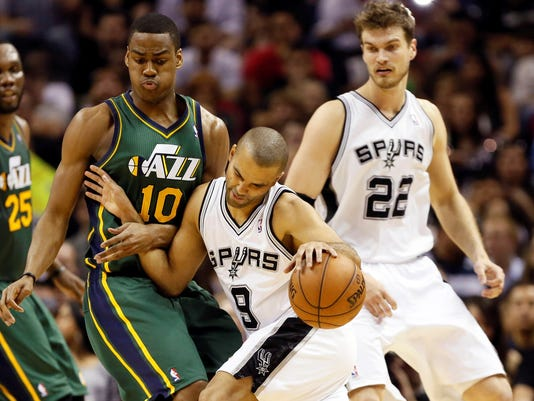 3-22-tony-parker-spurs-jazz