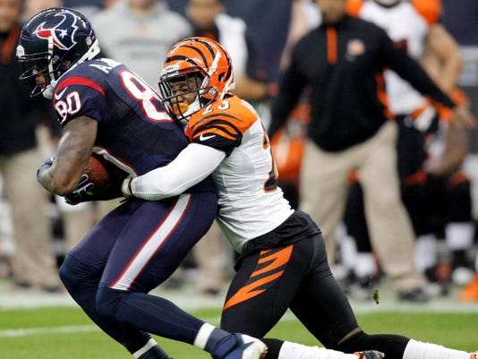 2013/29/03-Terence-Newman-stays-in-Cincy