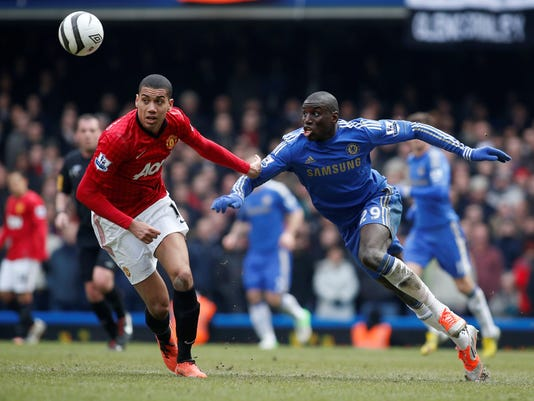2013-4-1-chelsea-demba-ba-manchester-united