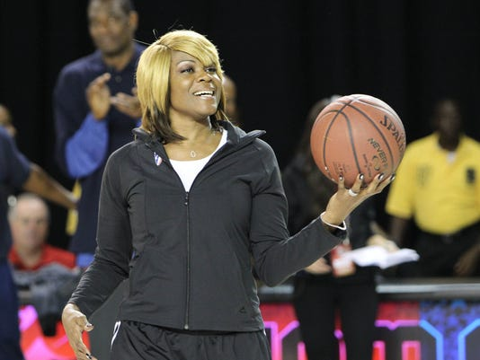 sheryl-swoopes-loyola-chicago