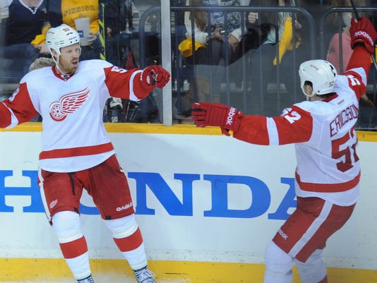 red-wings-preds-04-14-13
