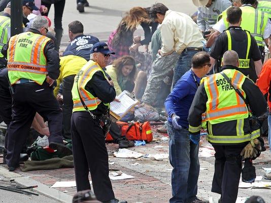 2013-04-16-boston-marathon-finish