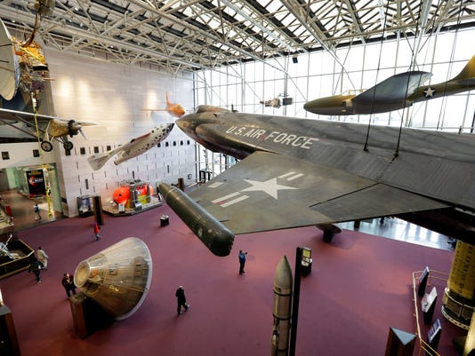 smithsonian-airplanes