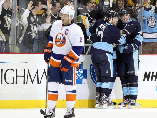 2013-04-29-penguins-islanders